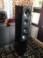 LR Speaker w_stand.